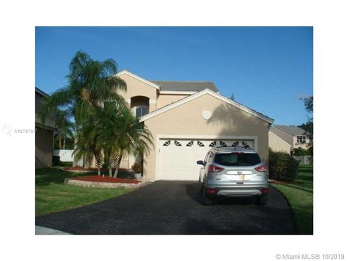 Photo of 187 Bayridge Ln, Weston, FL 33326 (MLS # A10757877)