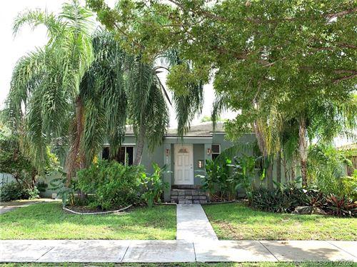 Photo of 121 SW 51st Ct, Miami, FL 33134 (MLS # A10961878)
