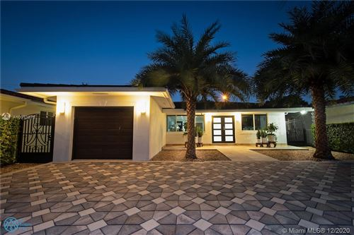 Photo of 1115 RED ROAD, Coral Gables, FL 33144 (MLS # A10973878)