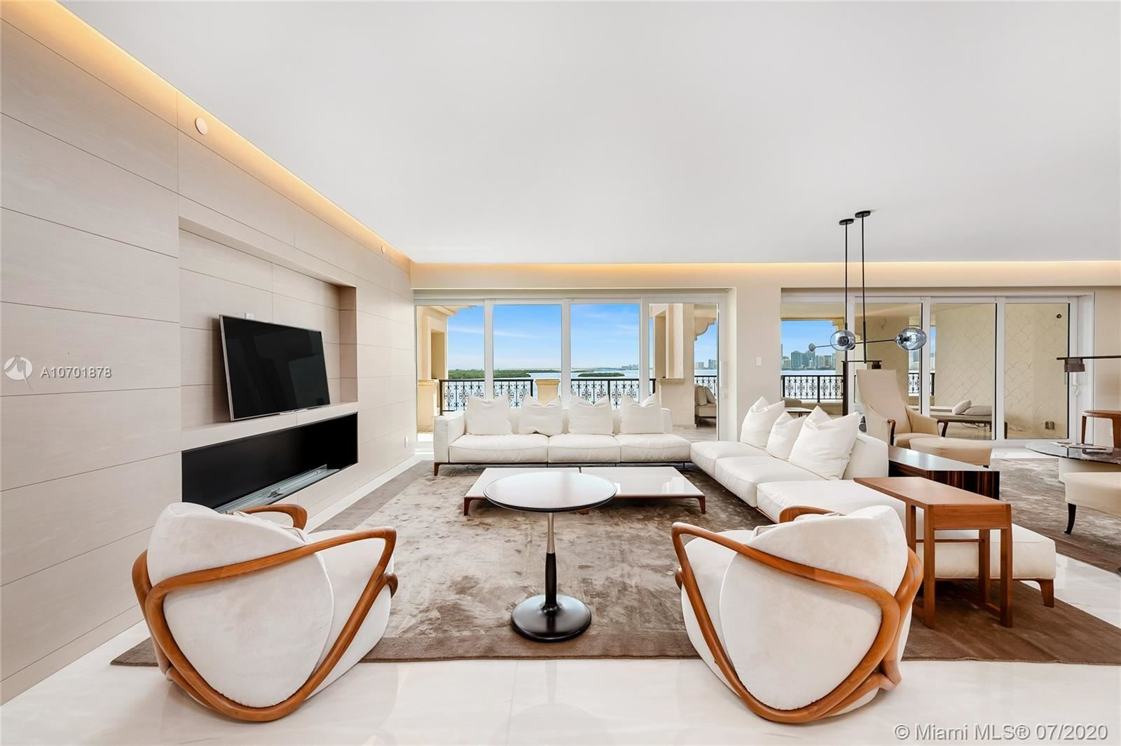 Photo 2 of Listing MLS a10701878 in 5292 Fisher Island Dr #5292 Miami FL 33109
