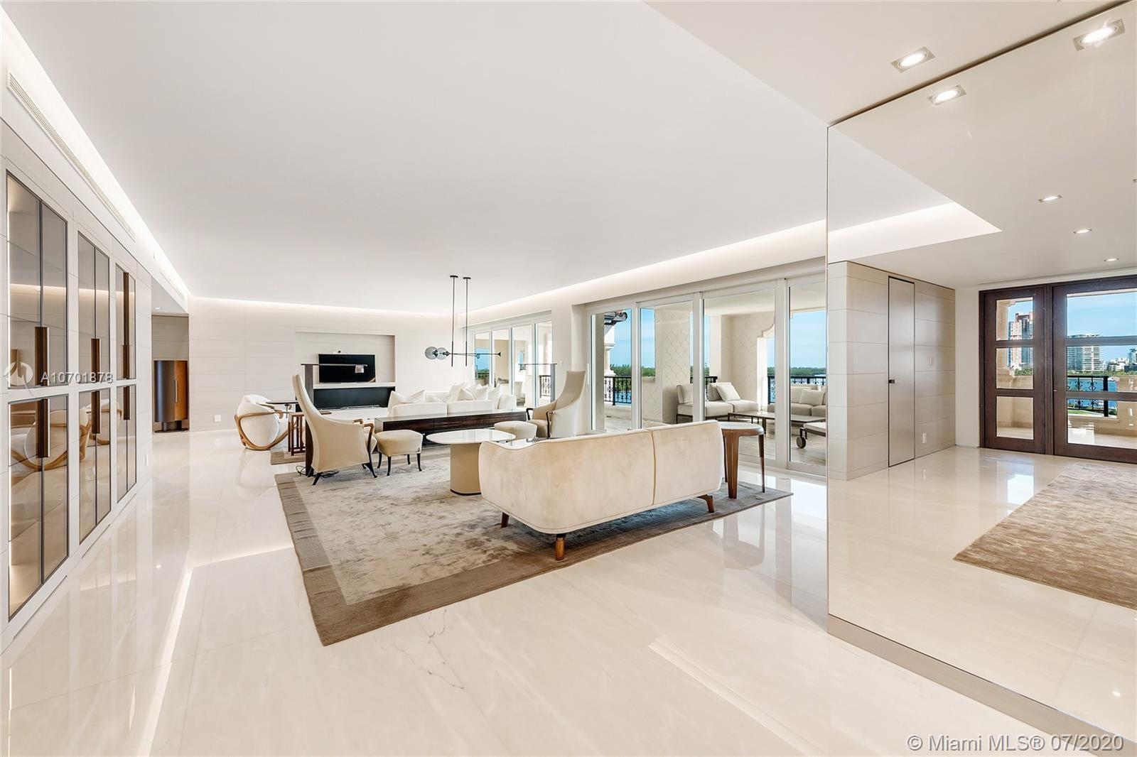 Photo 5 of Listing MLS a10701878 in 5292 Fisher Island Dr #5292 Miami FL 33109