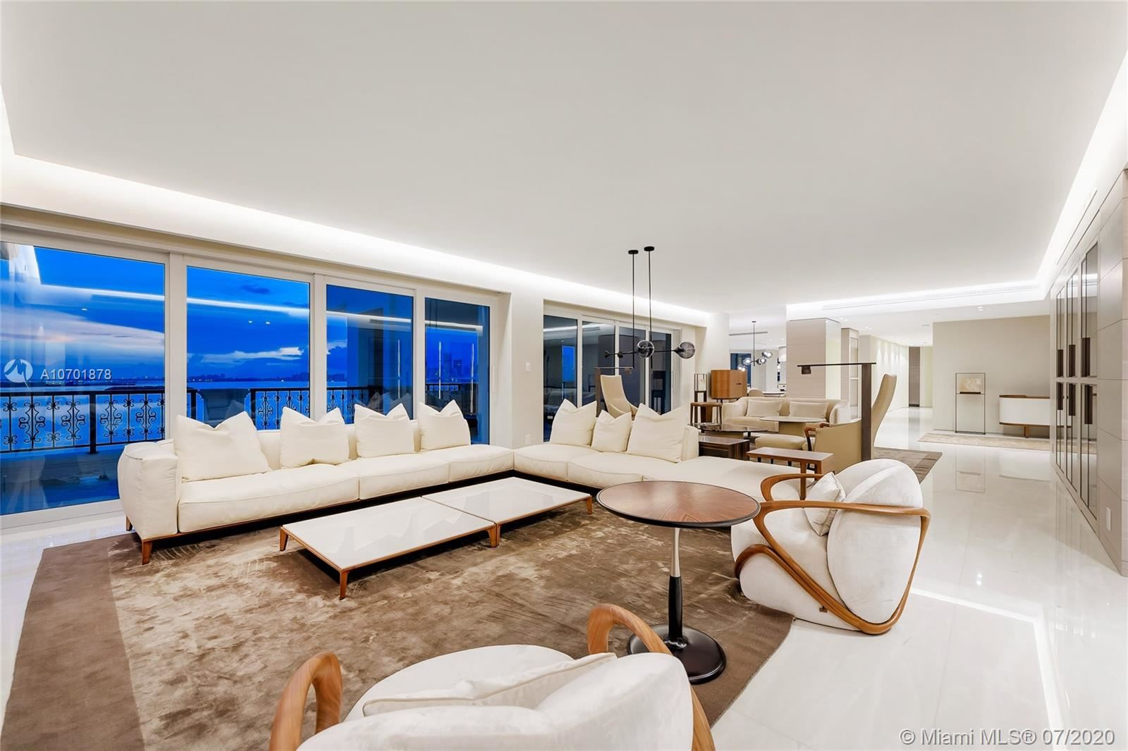 Photo 7 of Listing MLS a10701878 in 5292 Fisher Island Dr #5292 Miami FL 33109