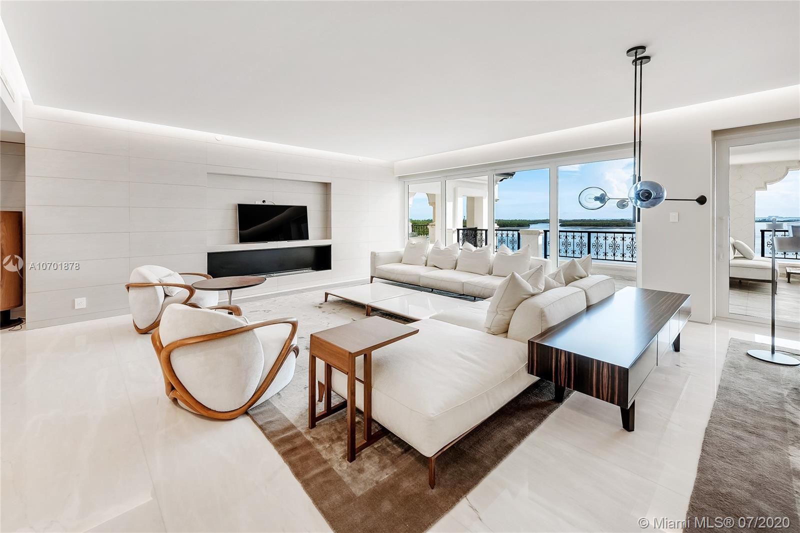 Photo 10 of Listing MLS a10701878 in 5292 Fisher Island Dr #5292 Miami FL 33109
