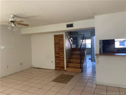 Foto de inmueble con direccion 3850 W 8th Way #44 Hialeah FL 33012 con MLS A10814879