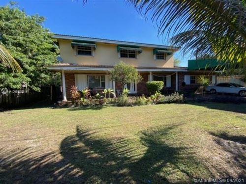 Photo of 1421 SW 68th Blvd, Pembroke Pines, FL 33023 (MLS # A10981880)