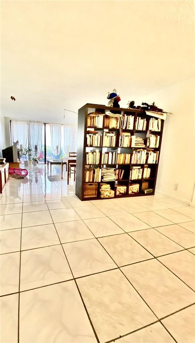Photo of 2450 NE 135th St #403, North Miami, FL 33181 (MLS # A11112880)
