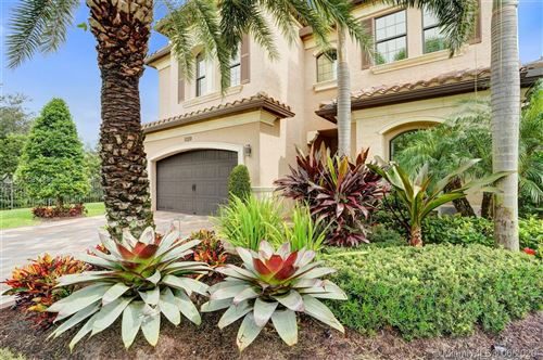 Photo of 16878 Bridge Crossing Cir, Delray Beach, FL 33446 (MLS # A10871881)