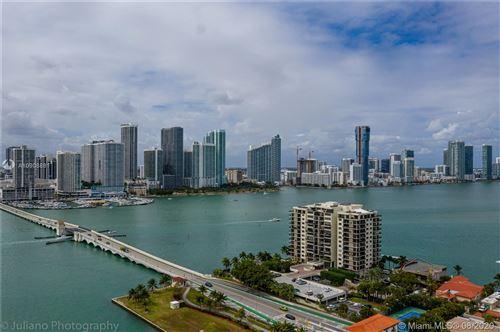 Foto de inmueble con direccion 801 N Venetian Dr #907 Miami Beach FL 33139 con MLS A10908881