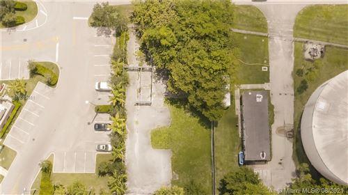 Photo of 160 Sw Ave, Weston, FL 33326 (MLS # A11083881)