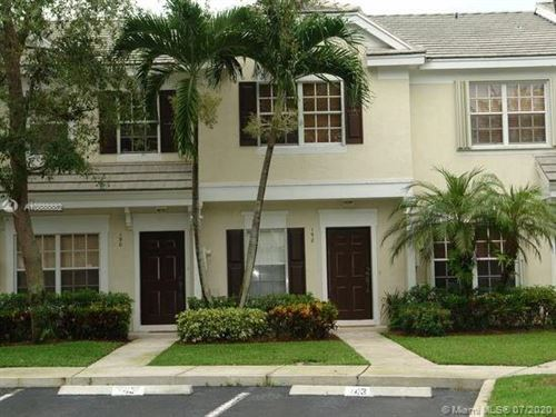 Photo of Listing MLS a10888882 in 192 SW 96 Ave Plantation FL 33324