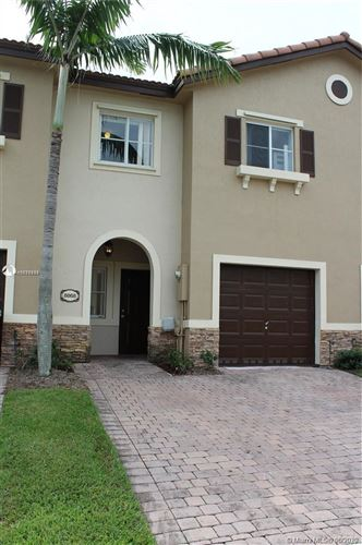Foto de inmueble con direccion 8868 SW 220th St #8868 Cutler Bay FL 33190 con MLS A10876883