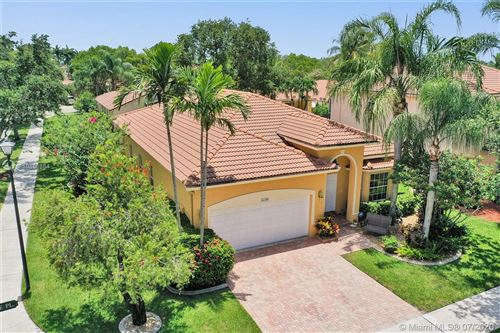 Photo of Listing MLS a10886884 in 16300 Sapphire Pl Weston FL 33331