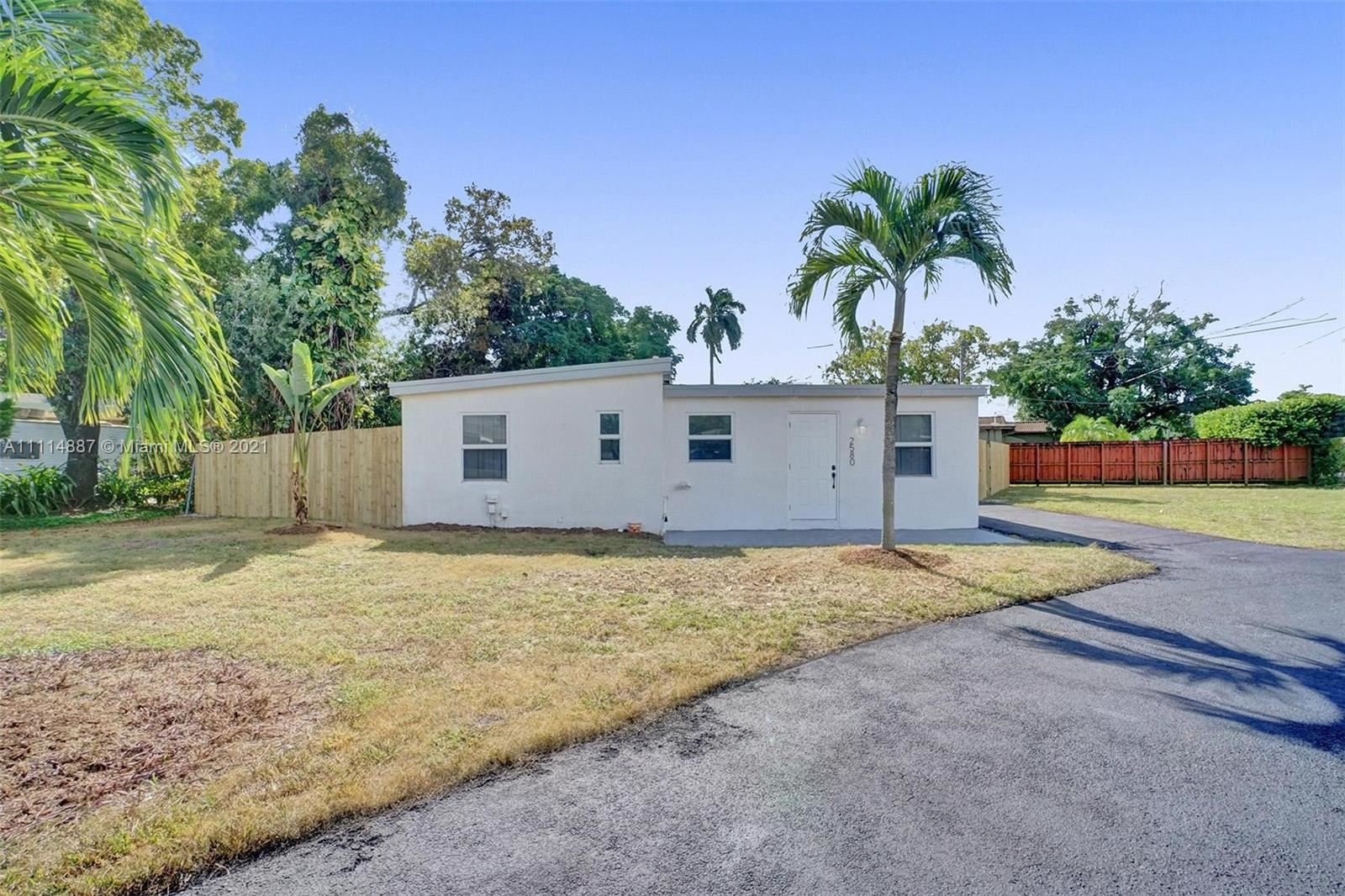 Photo of 2580 SW 6th Ct, Fort Lauderdale, FL 33312 (MLS # A11114887)