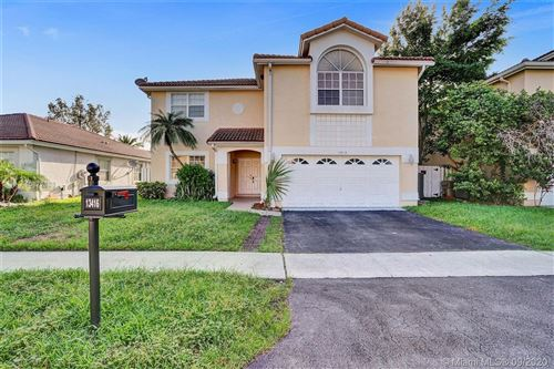 Photo of Listing MLS a10872888 in 13416 NW 6th Dr Plantation FL 33325