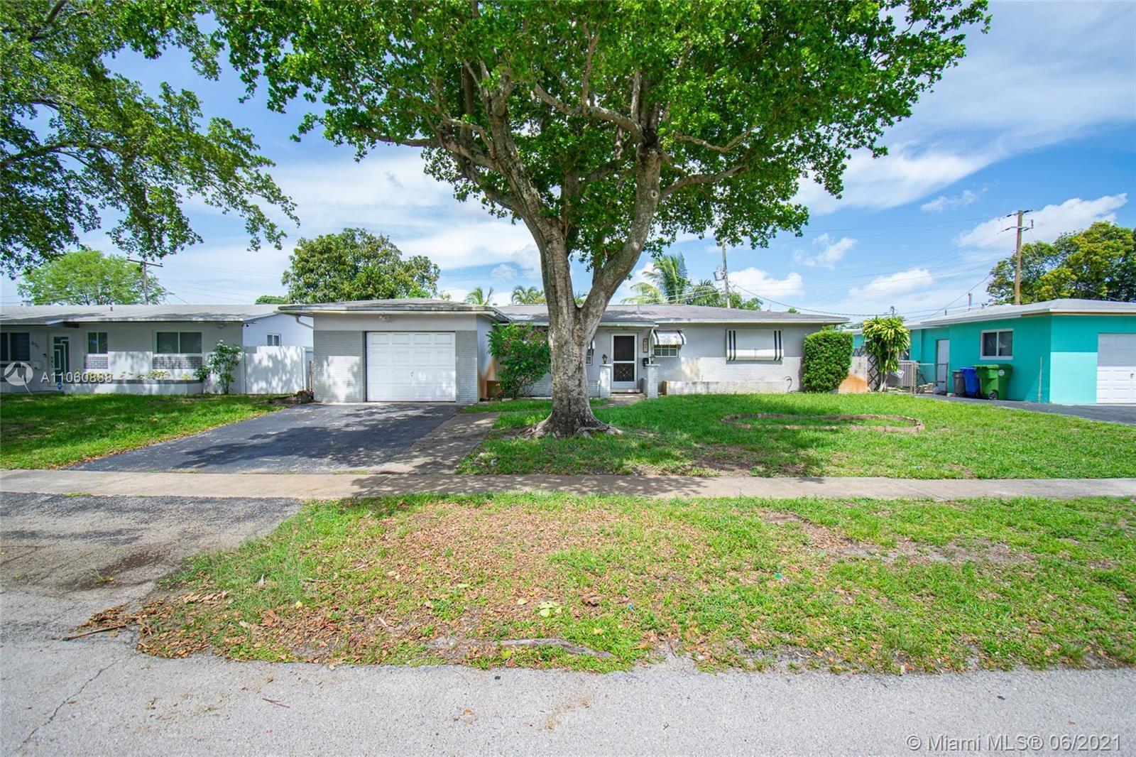 621 NW 78th Ave, Pembroke Pines, FL 33024 - #: A11060888