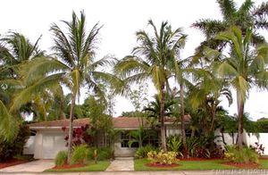Photo of 10603 NE 10th Pl, Miami Shores, FL 33138 (MLS # A10528891)