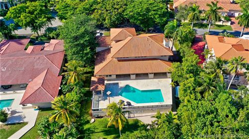 Photo of 7125 Los Pinos Blvd, Coral Gables, FL 33143 (MLS # A10976893)