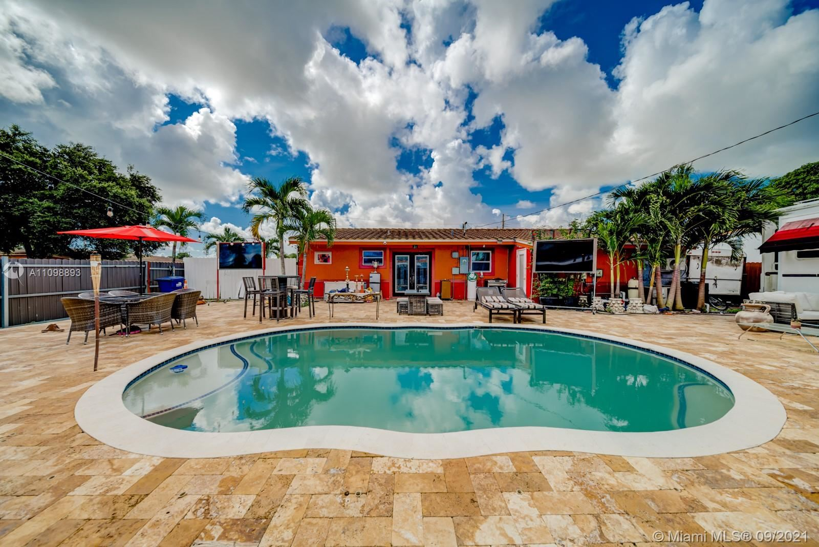 2901 NW 156th St, Miami Gardens, FL 33054 - #: A11098893