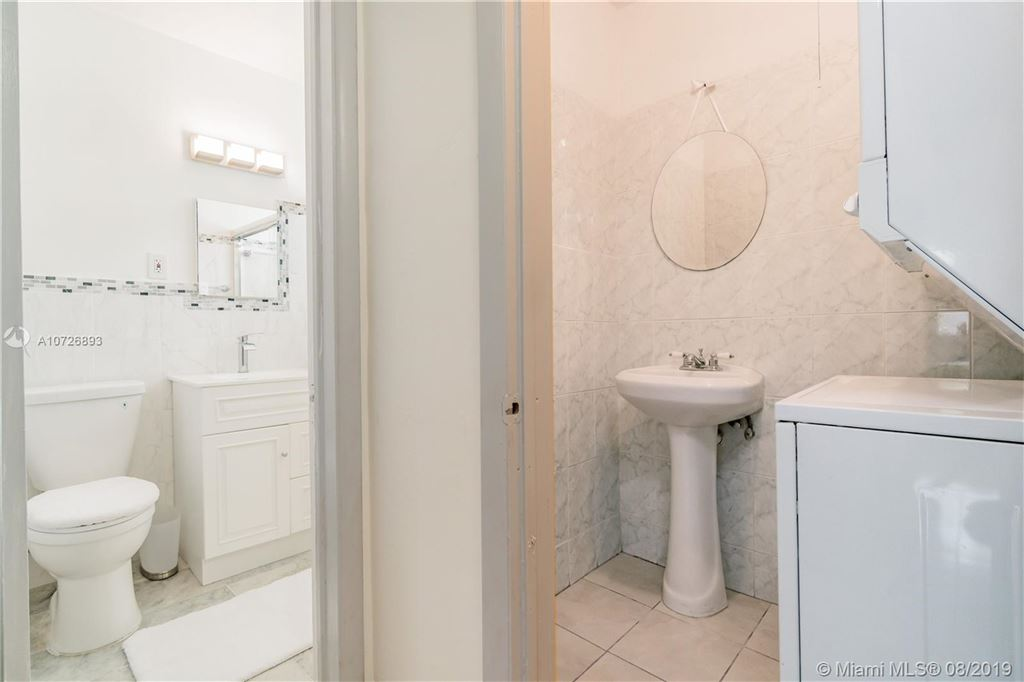 Photo 17 of Listing MLS a10726893 in 1265 Marseille Dr #30 Miami Beach FL 33141