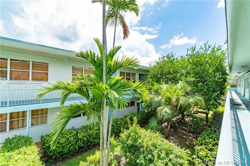Photo 20 of Listing MLS a10726893 in 1265 Marseille Dr #30 Miami Beach FL 33141
