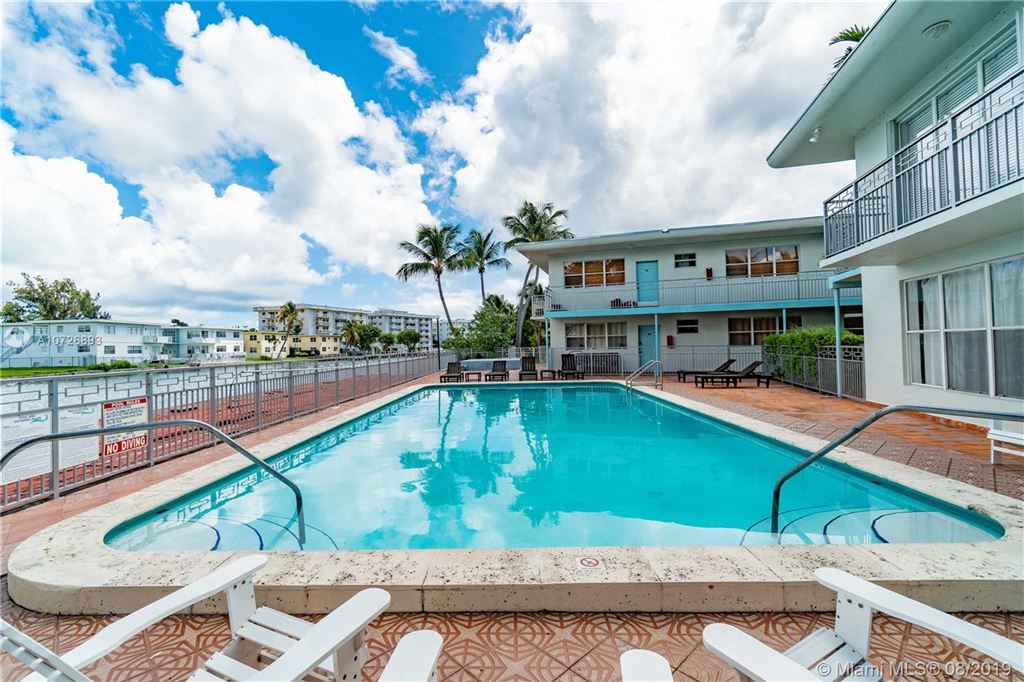 Photo 21 of Listing MLS a10726893 in 1265 Marseille Dr #30 Miami Beach FL 33141