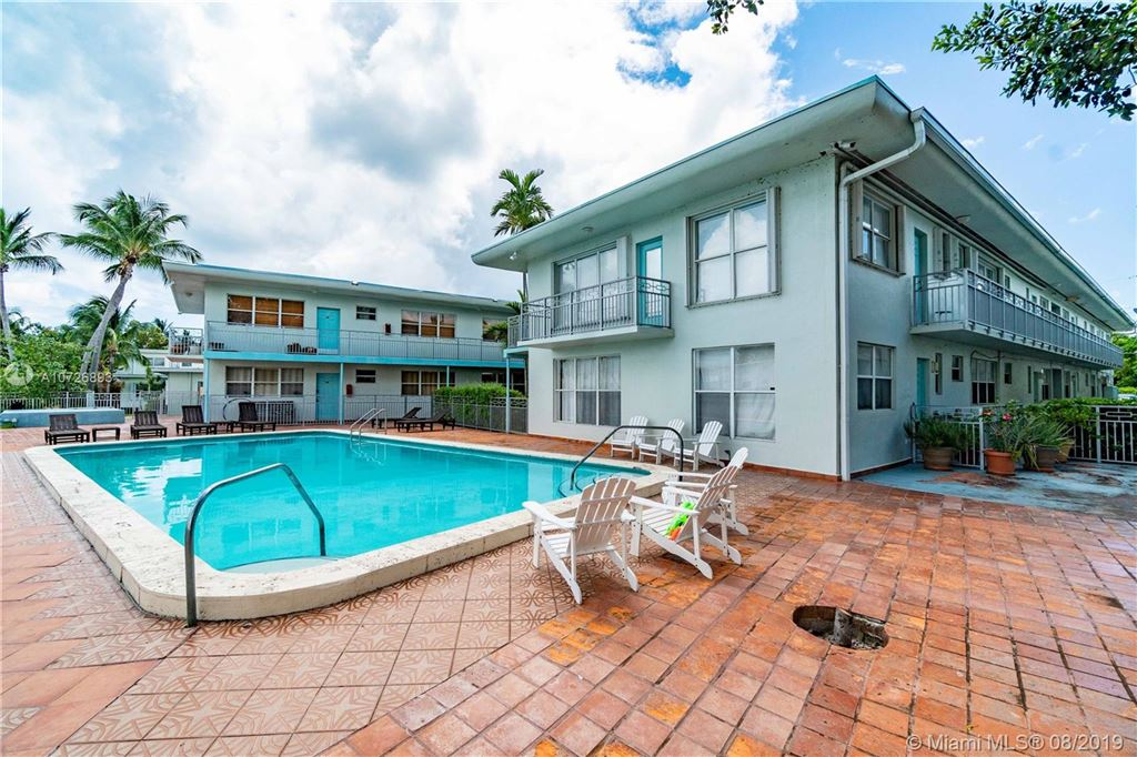Photo 23 of Listing MLS a10726893 in 1265 Marseille Dr #30 Miami Beach FL 33141