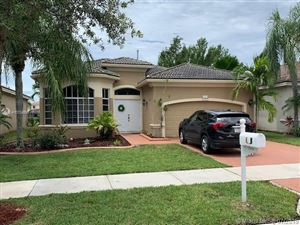 Photo of 19454 SW 67th St, Pembroke Pines, FL 33332 (MLS # A10704895)