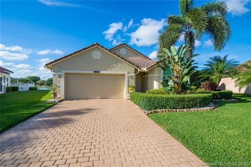 Photo of 10532 Plainview Cir, Boca Raton, FL 33498 (MLS # A10835895)