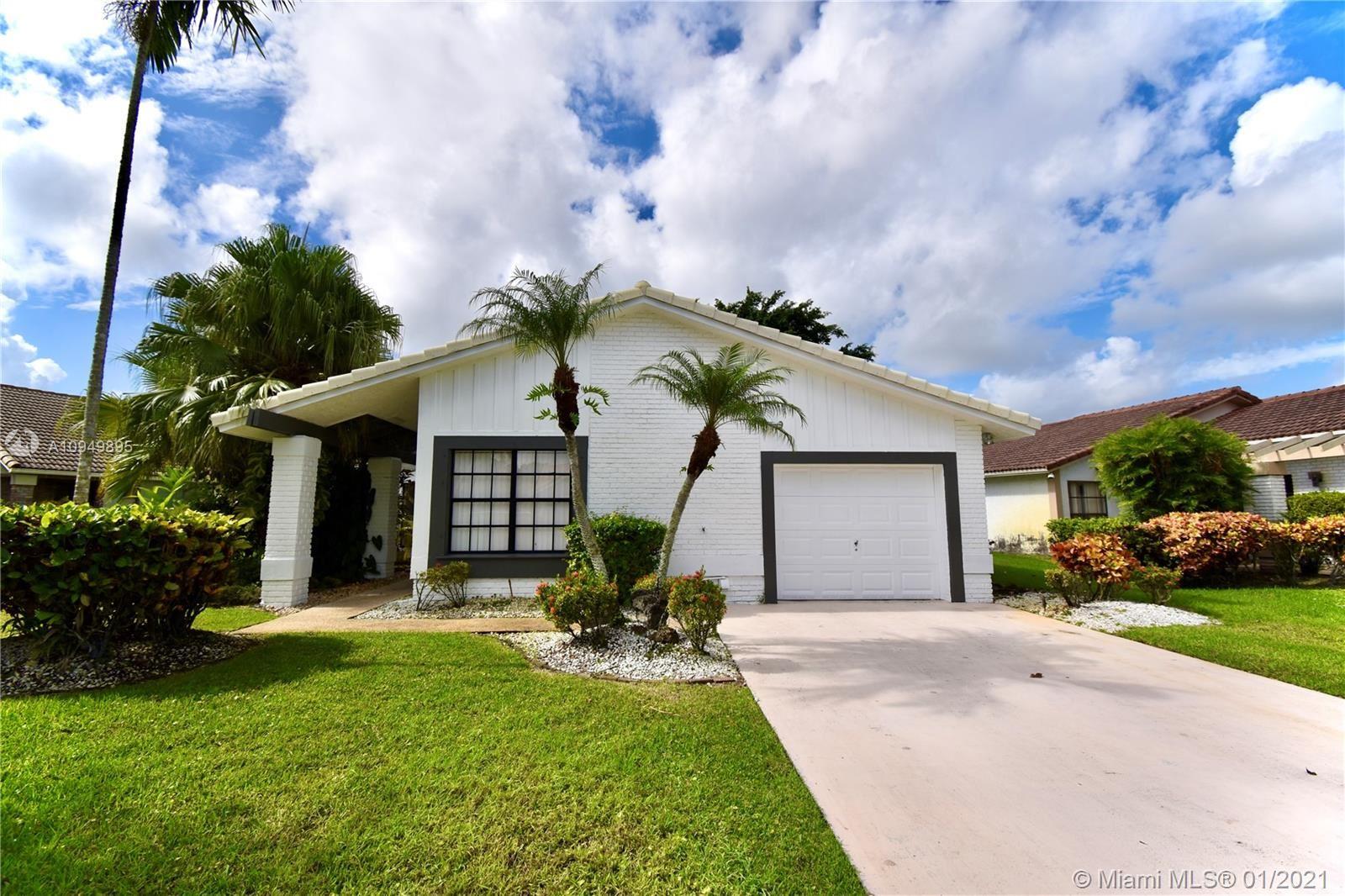 10108 Camelback Ln, Boca Raton, FL 33498 - #: A10949895