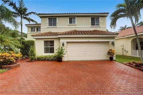 Photo of Listing MLS a10879896 in 4137 Laurel Ridge Cir Weston FL 33331