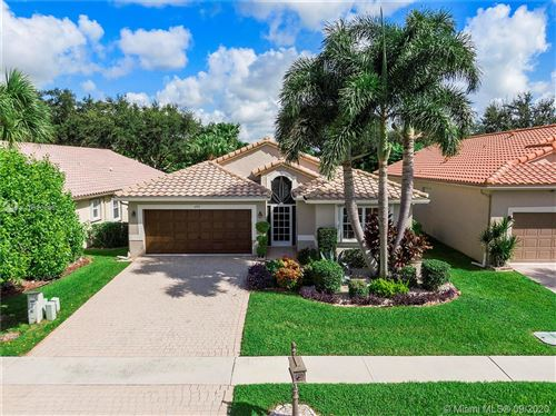 Photo of 6553 Sherbrook Dr, Boynton Beach, FL 33437 (MLS # A10930896)