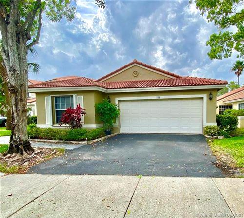 Photo of 901 Garnet Cir, Weston, FL 33326 (MLS # A11042896)