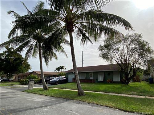 Foto de inmueble con direccion 2441 NW 111th Ave Sunrise FL 33322 con MLS A10879897