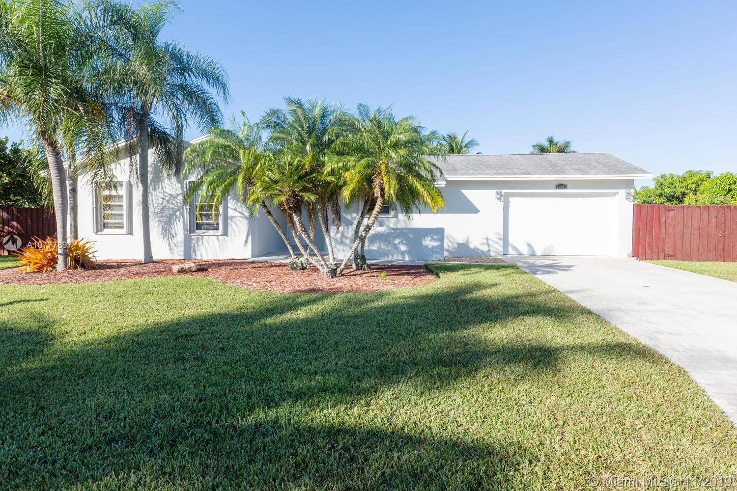 Photo of 28220 SW 158th Ave, Homestead, FL 33033 (MLS # A10777897)