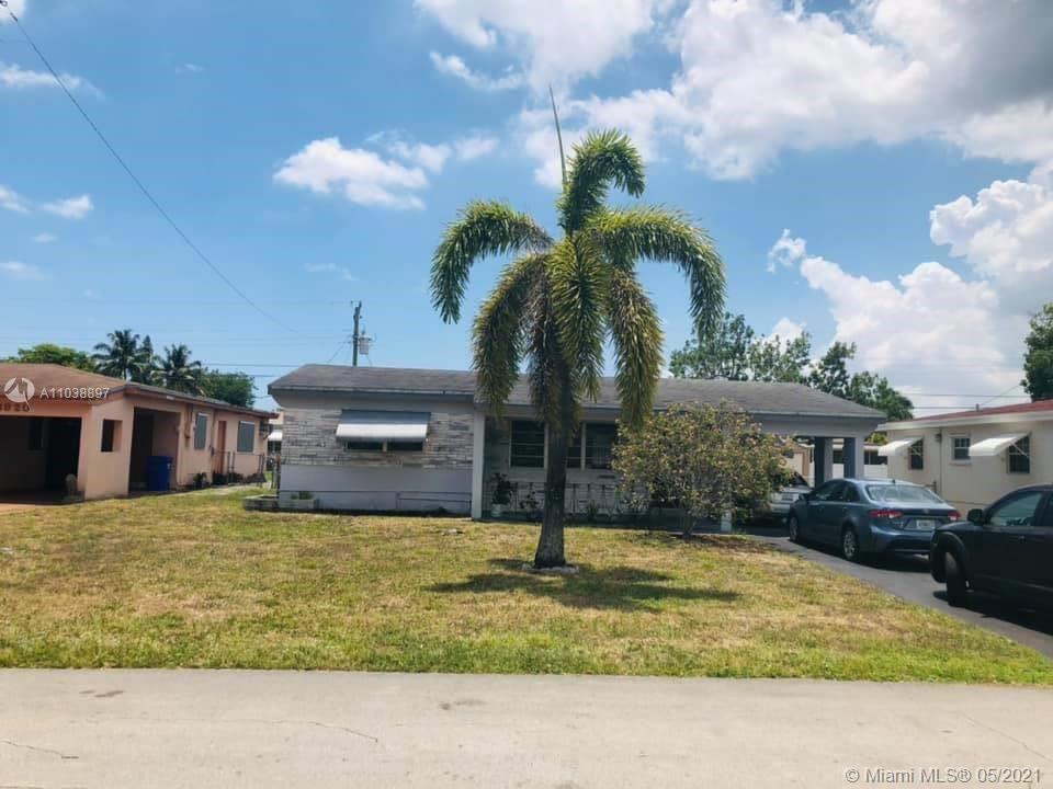 Photo of 6930 SW 11th St, Pembroke Pines, FL 33023 (MLS # A11038897)