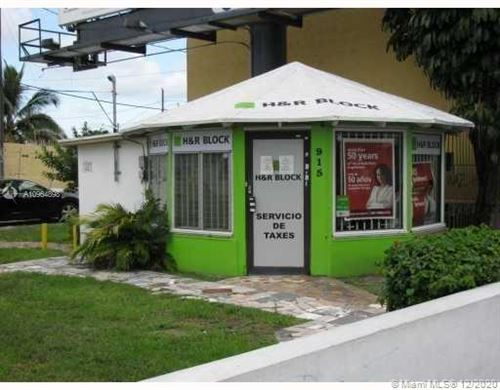 Photo of 901 SW 27th Ave #Kiosk, Miami, FL 33135 (MLS # A10964898)