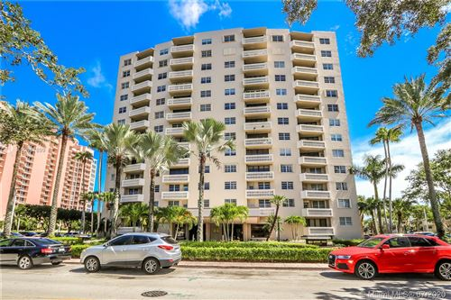 Photo of 90 Edgewater Dr #605, Coral Gables, FL 33133 (MLS # A10867899)