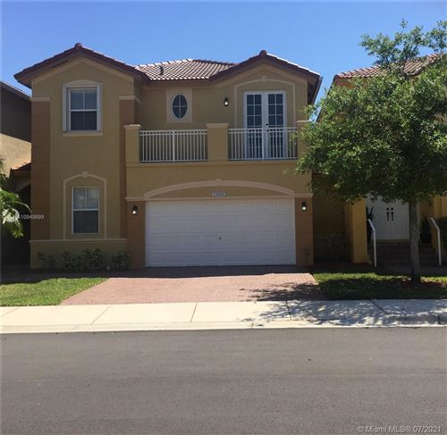 Photo of 10966 NW 86th Ter, Doral, FL 33178 (MLS # A10949899)