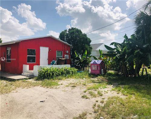 Foto de inmueble con direccion 3137 NW 27th St Miami FL 33142 con MLS A10885900