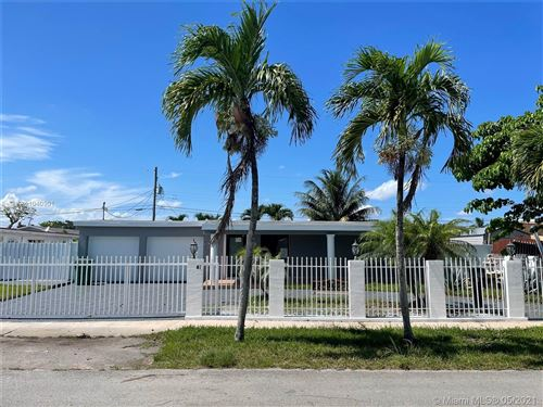 Photo of 11401 SW 52nd Ter, Miami, FL 33165 (MLS # A11040901)