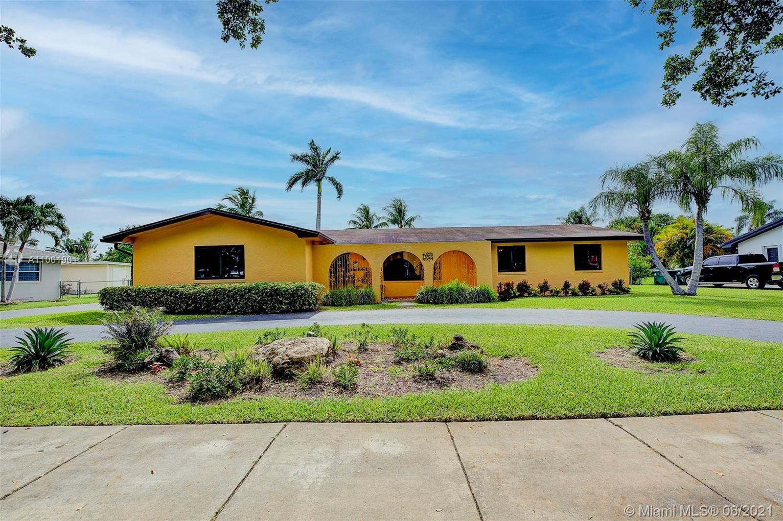 16923 SW 87th Ave, Palmetto Bay, FL 33157 - #: A11061901