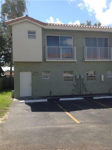 Foto de inmueble con direccion 6690 SW 12th St #7-6690 West Miami FL 33144 con MLS A10920902