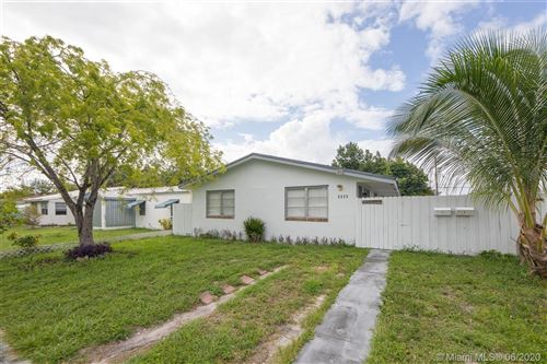Photo of Listing MLS a10877903 in 2223 Liberty St Hollywood FL 33020