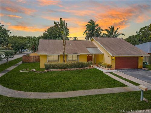 Photo of 740 SW 99th Ave, Pembroke Pines, FL 33025 (MLS # A11026903)
