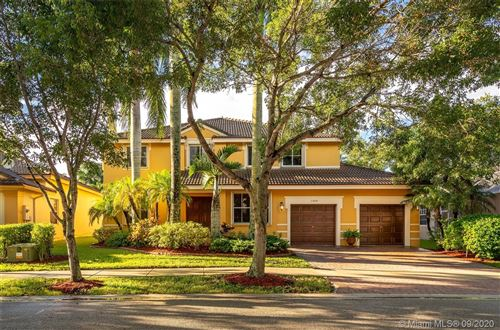Photo of 1307 Peregrine Way, Weston, FL 33327 (MLS # A10928904)