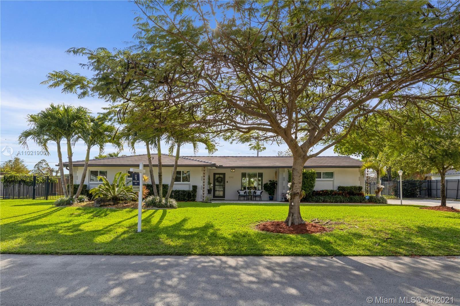 12140 SW 99th Ave, Miami, FL 33176 - #: A11021905