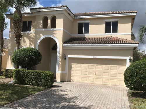 Photo of Listing MLS a10833906 in 6139 SW 194th Ave Pembroke Pines FL 33332