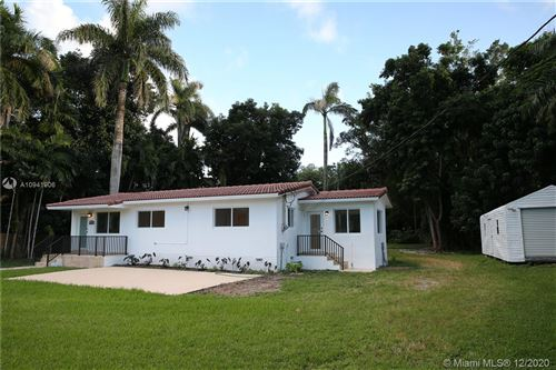 Foto de inmueble con direccion 420 NE 152nd St Miami FL 33162 con MLS A10941906