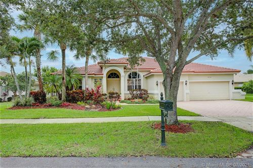 Photo of 12950 Country Glen Dr, Cooper City, FL 33330 (MLS # A11065907)