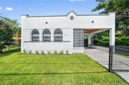 Photo of 318 SW 16th Ave, Miami, FL 33135 (MLS # A11084907)